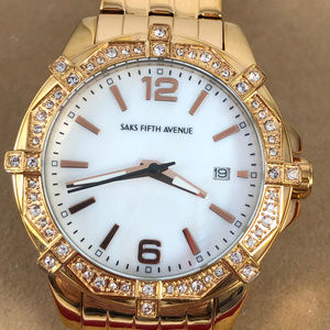 Saks Fifth Avenue Accessories - Fabulous Saks Fifth Avenue Rose Gold Tone Watch